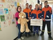 Altpapiersammlung der Jugendfeuerwehr Waldheim: Bärenherz erhält den Erlös