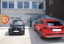 Die Zukunft im Blick: First Debit stattet Zentrale mit zwei Ladesäulen für Elektrofahrzeuge aus