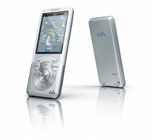 Sony présente le WALKMAN S750 ultraplat