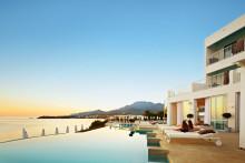 Hop i egen pool fra din terrasse