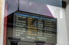 THAMES TRAVEL INTRODUCE LIVE TIMETABLE UPDATES SCREEN IN WALLINGFORD
