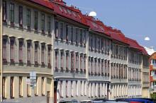 Nu ska husen i Gårda rustas upp, fler hyresrätter än bostadsrätter byggs i Lillhagsparken