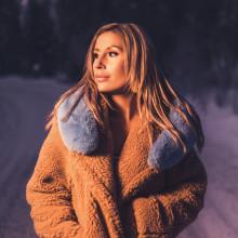 Chloé Gisele följer upp framgångarna med nya singeln 'Lights On Us'