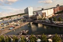 Organisatoren präsentieren Liveübertragung des Kieler Sommertheaters - kostenlos an fünf Standorten