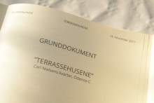 Grundstensindmuring på Terrassehusene i Odense