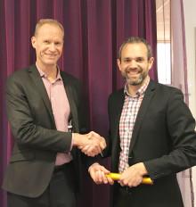 Innofactors VD Robert Erlandsson ger stafettpinnen vidare