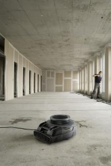 Hurtig tørking av gulv, vegger og tak med Kärcher AB 20!