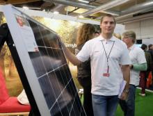 Eon köper el från ladugårdstak
