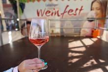 Leipzig feiert 20. Weinfest - Lebensfreude trotz besonderer Bedingungen