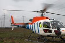 Spektakuläre Beseilung der neuen Hochspannungsfreileitung mit dem Helikopter