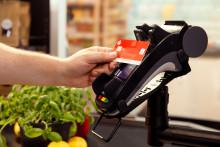 Mit girocard bis zu 50 Euro bargeldlos ohne PIN zahlen