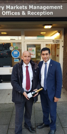 Champagne occasion as Bury Market welcomes 1,500th coach this year