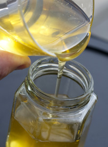 Nyslungad honung en primör att ta vara på