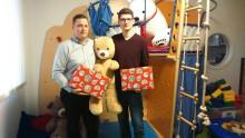 Jährliche Weihnachtsspende von Kubra: Familie Brabender besucht uns wieder mit Scheck und Geschenken