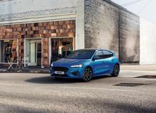 Nya elektrifierade Focus EcoBoost Hybrid levererar bränsleeffektivitet och uppkoppling