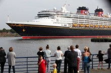 Go North East welcomes Disney cruisers