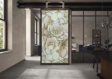 Villeroy & Boch Fliesen, nouveautés 2020 : Art et nature – ROCKY.ART : un look de pierre naturelle agrémenté d'un décor floral abstrait