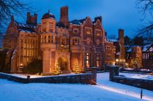 Första julmarknadshelgen gav 50000 kr till en utomhusscen i slottsträdgården