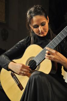 Spanska gitarrstjärnan Anabel Montesinos inleder Sverigeturné imorgon på Södra Teatern