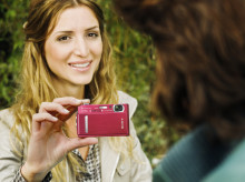 Sony's new Cyber-shot™ T500 offers style and substance with HD video clips