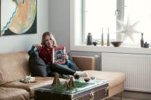 Ingebjørg Bratland med ny julebok og nye julelåter