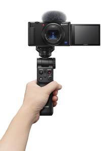 Sony amplia la gamma di soluzioni per i vlogger con la nuova vlog camera ZV-1 e la Handycam® compatta 4K FDR-AX43