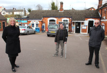 Community celebrates funding for lifts at Flitwick station
