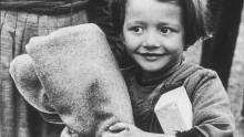 Rädda Barnen 100 år - ett sekel av kamp för barns rättigheter