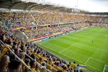 Hybridgräs på Gamla Ullevi i Göteborg – får samma sorts underlag som Wembley Stadium