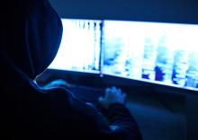 Sex av tio svenskar är hackade