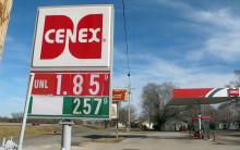 Bensinen och gasen flödar och CO2-utsläppen ökar