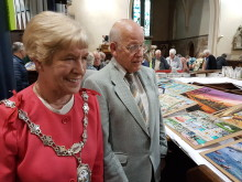 Picking up the pieces - Mayor opens Ramsbottom Jigsaw Festival