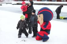 Folkfest och rafflande snöbollskrig i helgens Yuki-SM