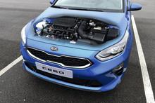 KIA udvider Ceed-familien med effektive nye benzin- og mild-hybrid motorer