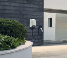 Ford présente son dispositif pour recharger ses véhicules électrifiés, chez soi ou à travers toute l'Europee