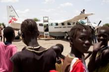 Sydsudan: Läkare Utan Gränsers personal bland dussintals döda och skadade