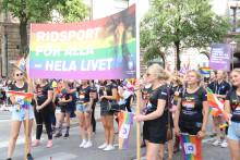 Ridsporten i Prideparaden 2018