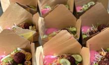 Wästbygg Gruppen bidrar med matlådor till vårdpersonal