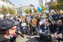 """""""Inklusion ist keine Wahlmöglichkeit, sondern ein Menschenrecht"""" – Teilnehmer vom Jugendaktionscamp Bonn fordern mehr gelebte Inklusion"""
