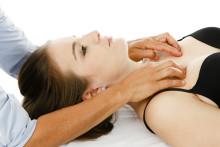 Forschung: Osteopathie hilft gegen Nackenschmerzen / Übersichtsstudie zeigt klinisch relevante Erfolge