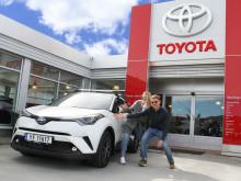 Vi gratulerer Marianne og Christoffer med ny Toyota!