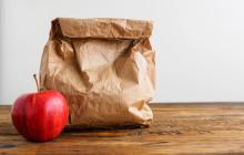 Gymnasieeleverna i Eslöv erbjuds att hämta matlåda