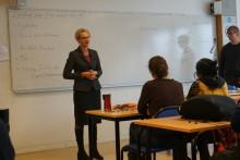 Sveriges migrationsminister besökte Hermods i Solna