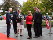 Hoher Besuch: Dänische Königin Margrethe II. besucht die Deutschlandzentrale von DÄNISCHES BETTENLAGER/JYSK in Handewitt