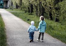 Brott mot barn: polis och åklagare följer inte lagen