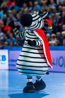 Hein Daddel on Ice - tierisches Nikolausvergnügen beim Stadtwerke Eisfestival Kiel
