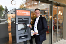 Kein Bargeld? Kein Problem! Neuer Geldautomat in den Fasanarkaden in Obergiesing