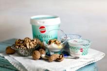Nyhet! Larsa kompletterar ICA´s sortiment med 3 sorters delikatessyoghurt från Grekland