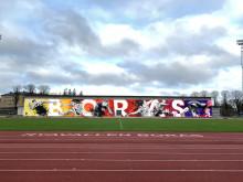 Shai Dahan målar Sveriges största muralmålning till European Athletics U20 Championships Borås