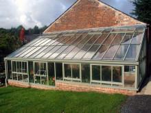 Nya härliga färger för Hartley Botanic växthus